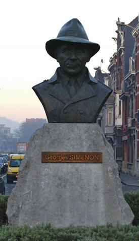 Statue of Georges Simenon in Liège